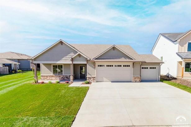 Ranch, City-Single Family - Lawrence, KS