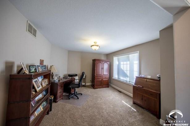 Rural Residential, 1 Story - Lawrence, KS (photo 5)