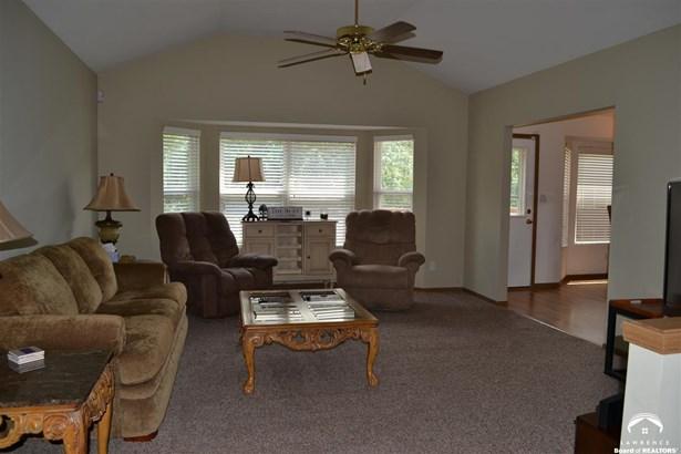 1 Story, City-Single Family - Topeka, KS (photo 4)