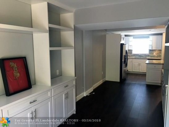 Condo/Co-op/Villa/Townhouse - Wilton Manors, FL (photo 4)