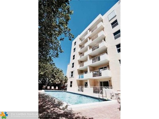 Condo/Co-Op/Villa/Townhouse, Condo 5+ Stories - Fort Lauderdale, FL (photo 4)