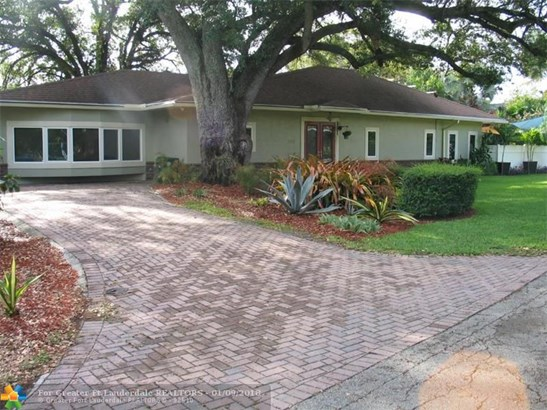 Pool Only, Single Family - Wilton Manors, FL (photo 4)