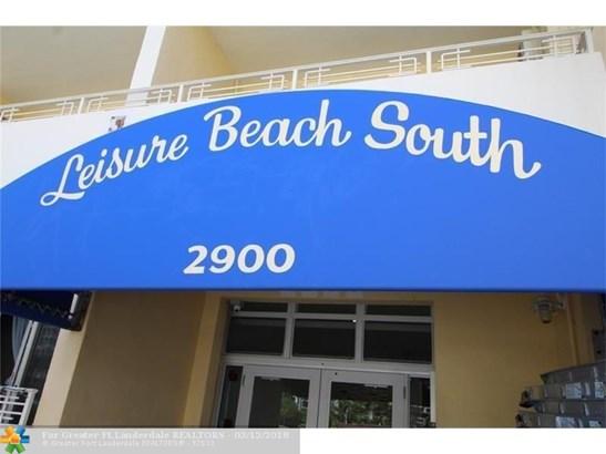 Condo/Co-op/Villa/Townhouse - Fort Lauderdale, FL (photo 2)