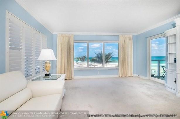 Condo/Co-op/Villa/Townhouse - Fort Lauderdale, FL (photo 4)