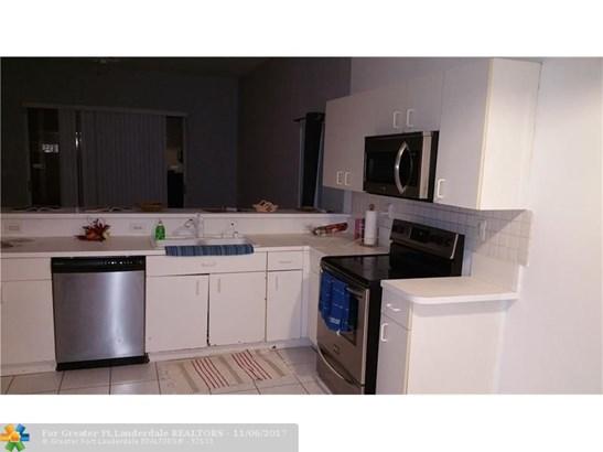 Single Family - Pembroke Pines, FL (photo 4)