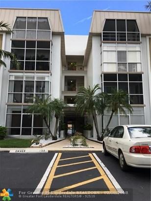 Condo/Co-op/Villa/Townhouse - Oakland Park, FL (photo 3)