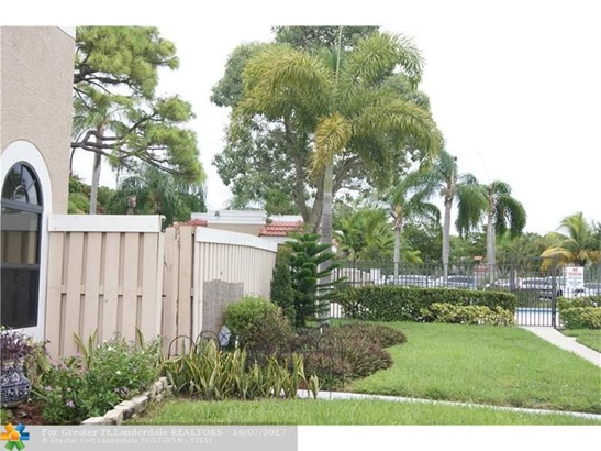 Condo/Co-op/Villa/Townhouse - Delray Beach, FL (photo 4)