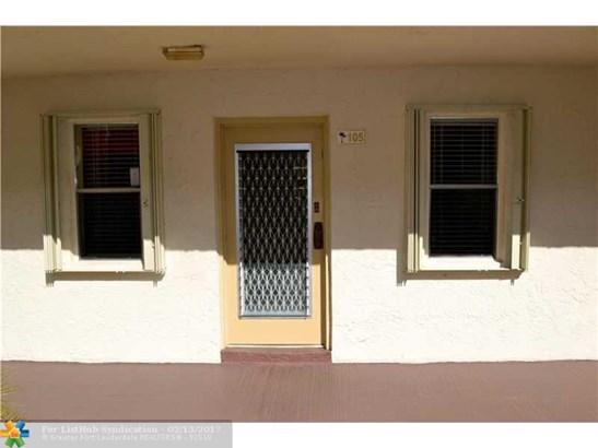 Condo/Co-Op/Villa/Townhouse, Condo 1-4 Stories - Lauderdale Lakes, FL (photo 3)