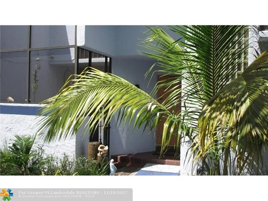 Condo/Co-op/Villa/Townhouse - Davie, FL (photo 1)