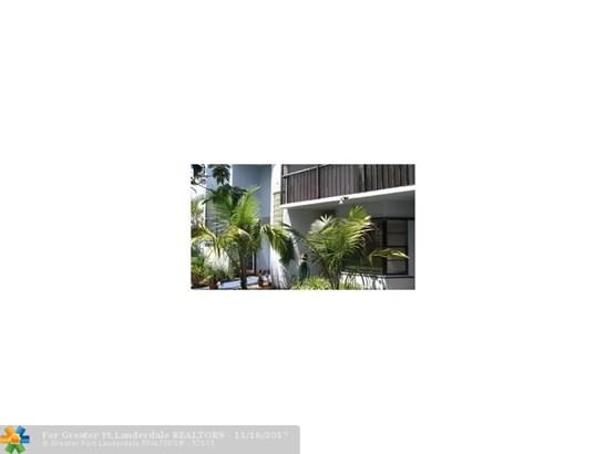 Condo/Co-op/Villa/Townhouse - Davie, FL (photo 2)
