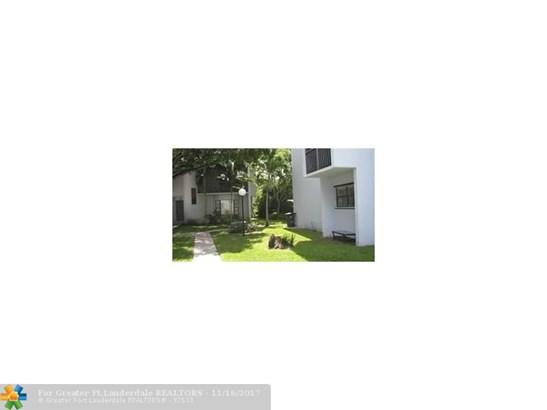 Condo/Co-op/Villa/Townhouse - Davie, FL (photo 3)