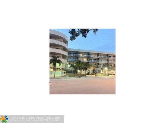 Condo/Co-Op/Villa/Townhouse, Condo 1-4 Stories - Wilton Manors, FL (photo 1)