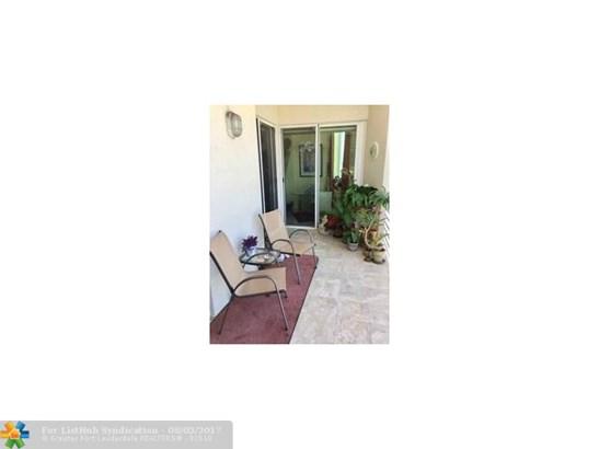 Condo/Co-Op/Villa/Townhouse, Condo 1-4 Stories - Wilton Manors, FL (photo 4)