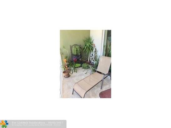Condo/Co-Op/Villa/Townhouse, Condo 1-4 Stories - Wilton Manors, FL (photo 5)