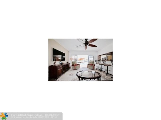 Single Family, WF/Pool/Ocean Access - Pompano Beach, FL (photo 5)