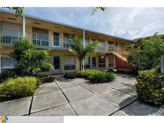 Condo/Co-Op/Villa/Townhouse, Condo 1-4 Stories - Fort Lauderdale, FL (photo 2)
