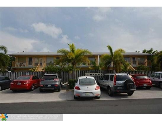 Condo/Co-Op/Villa/Townhouse, Condo 1-4 Stories - Fort Lauderdale, FL (photo 3)