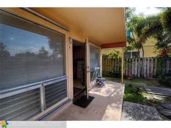 Condo/Co-Op/Villa/Townhouse, Condo 1-4 Stories - Fort Lauderdale, FL (photo 4)