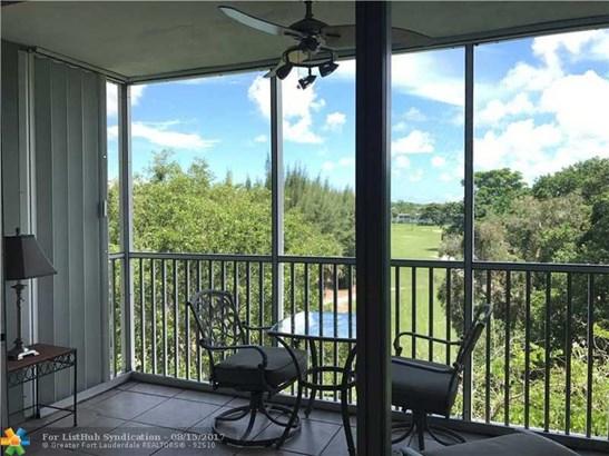 Condo/Co-Op/Villa/Townhouse, Condo 5+ Stories - Pompano Beach, FL (photo 1)