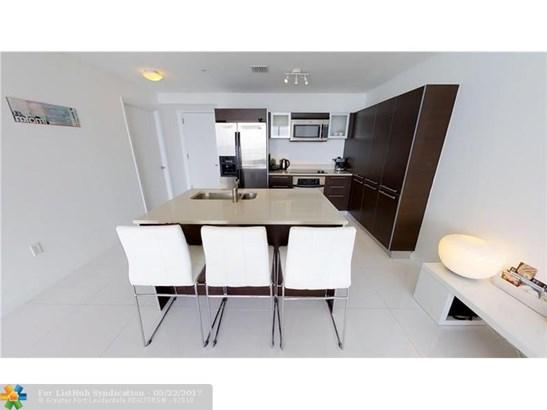 Condo/Co-Op/Villa/Townhouse, Condo 5+ Stories - Miami, FL (photo 2)