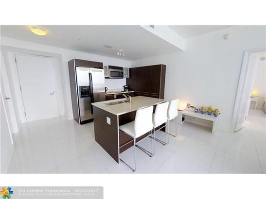 Condo/Co-Op/Villa/Townhouse, Condo 5+ Stories - Miami, FL (photo 3)