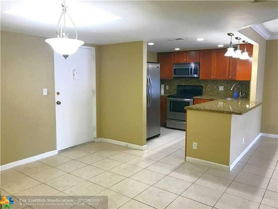Residential Rental, C23 - Wilton Manors, FL (photo 2)