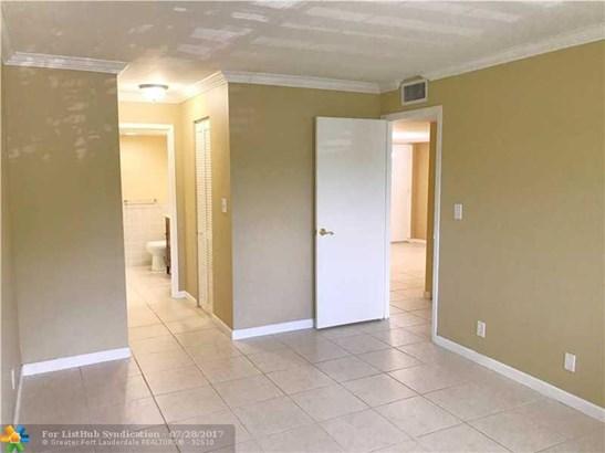 Residential Rental, C23 - Wilton Manors, FL (photo 5)