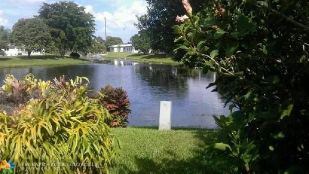 Single Family - Margate, FL (photo 4)