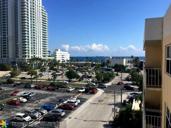 Condo/Co-Op/Villa/Townhouse, Condo 5+ Stories - Fort Lauderdale, FL (photo 1)