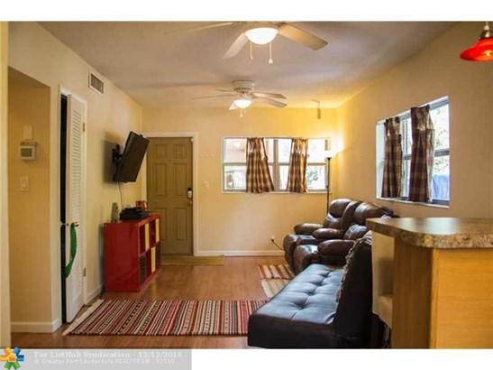 Condo/Co-Op/Villa/Townhouse, Condo 1-4 Stories - Oakland Park, FL (photo 4)