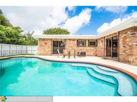 Pool Only, Single Family - Wilton Manors, FL (photo 1)