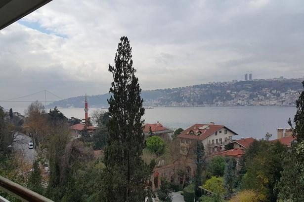 Ayikcan Em, Istanbul - TUR (photo 1)
