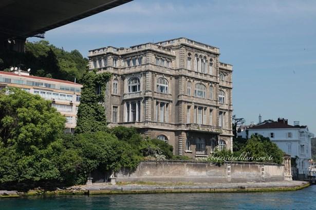 Ayikcan Em, Istanbul - TUR