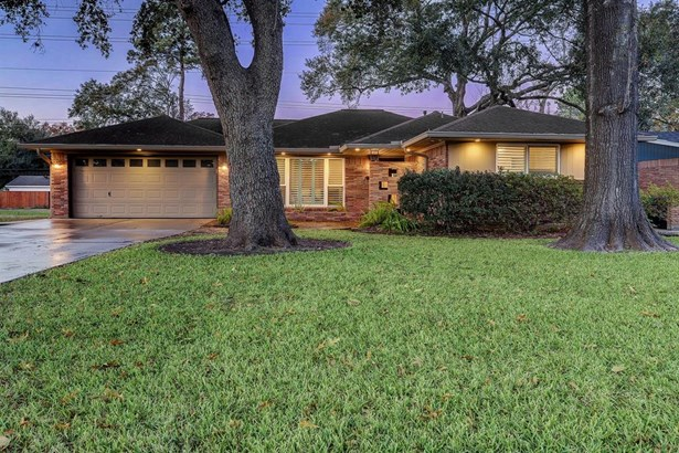 Ranch,Traditional, Single-Family - Houston, TX