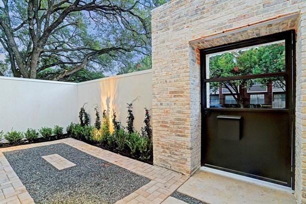 Cross Property, Contemporary/Modern - Houston, TX (photo 4)