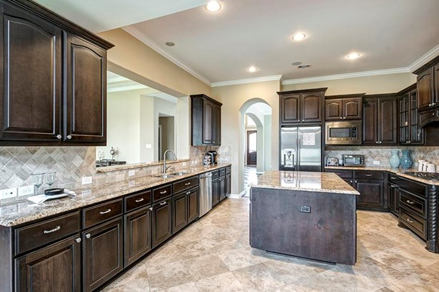 Mediterranean,Traditional, Cross Property - Humble, TX (photo 5)