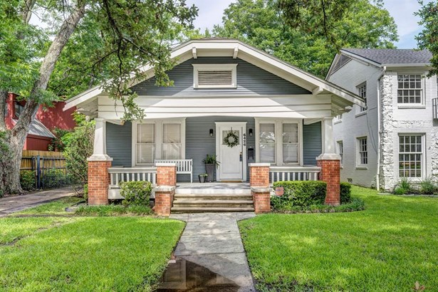 Traditional, Single-Family - West University Place, TX