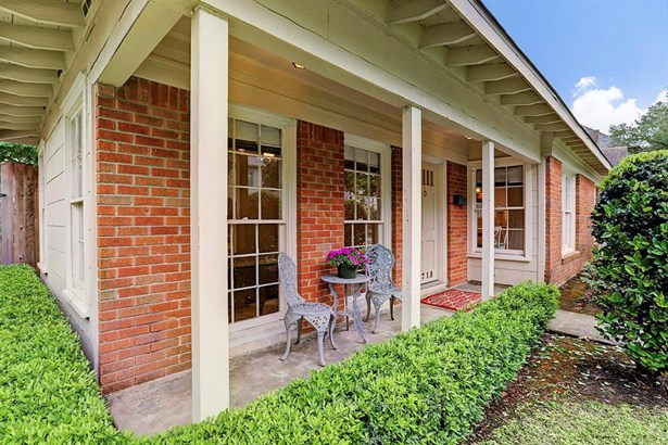 Traditional, Cross Property - West University Place, TX (photo 1)