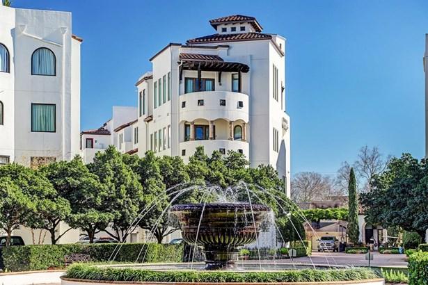 Townhouse, Contemporary/Modern,Spanish - Houston, TX
