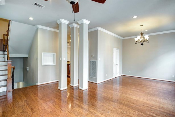 Townhouse, Traditional - Houston, TX (photo 3)