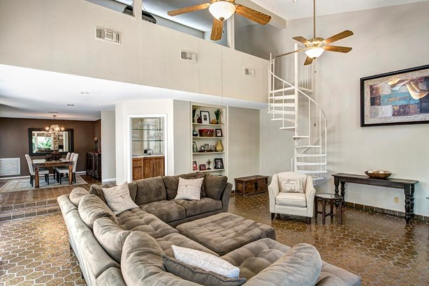 Cross Property, Contemporary/Modern - Spring Valley, TX (photo 5)