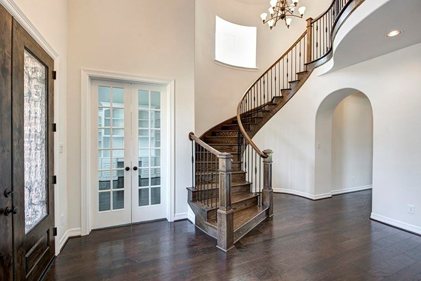 Traditional, Cross Property - Friendswood, TX (photo 3)
