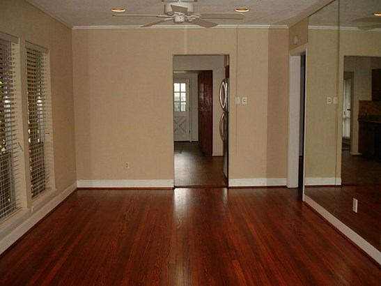 Single Family Detached, Traditional - Houston, TX (photo 5)