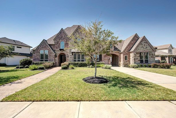 Traditional, Cross Property - Friendswood, TX (photo 2)