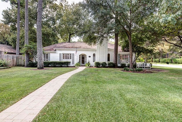 Traditional, Cross Property - Spring Valley, TX (photo 1)