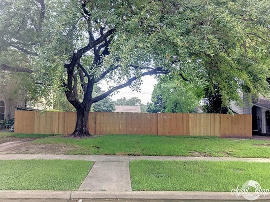 Cross Property - West University Place, TX (photo 1)