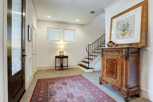 Contemporary/Modern,Traditional, Townhouse - Houston, TX (photo 3)