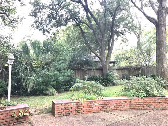 Single Family Detached, Ranch,Traditional - Hedwig Village, TX (photo 2)