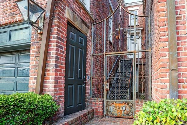 Townhouse, Traditional - Houston, TX (photo 1)