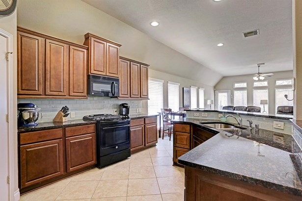 Ranch,Traditional, Cross Property - Pearland, TX (photo 4)